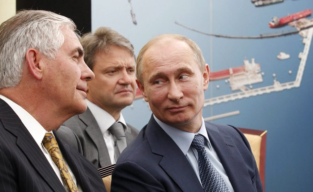 Prezydent elekt Donald Trump nominuje na stanowisko sekretarza stanu USA prezesa koncernu paliwowego Exxon Mobil Rexa Tillersona, który ma bliskie powiązania z Rosją - podają amerykańskie media.