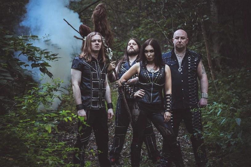 """17 lutego 2017 roku światło dzienne ujrzy """"Queen Of The Witches"""", szósta płyta heavymetalowej formacji Crystal Viper z Katowic."""