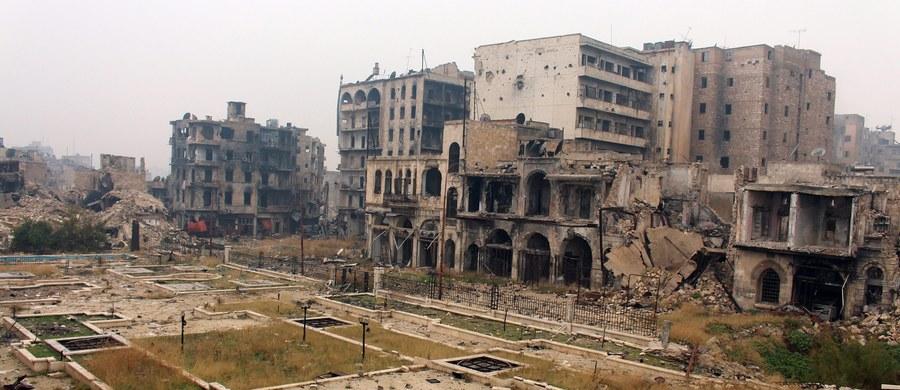 """Ambasador Rosji przy ONZ Witalij Czurkin powiedział, że """"działania militarne w Aleppo zostały zakończone"""", a syryjski rząd przejął kontrolę nad dzielnicami, o które wcześniej toczyły się walki między rebeliantami a nacierającymi siłami reżimu"""
