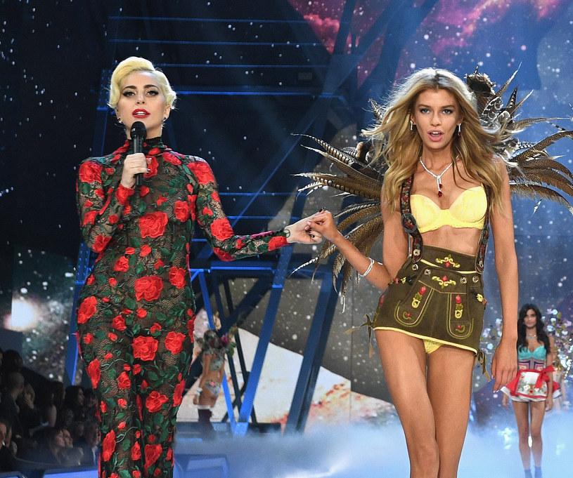 W grudniu Lady Gaga zdradziła, że cierpi na zespół stresu pourazowego. Problemy psychiczne wokalistki są efektem gwałtu, którego padła ofiarą wiele lat temu.