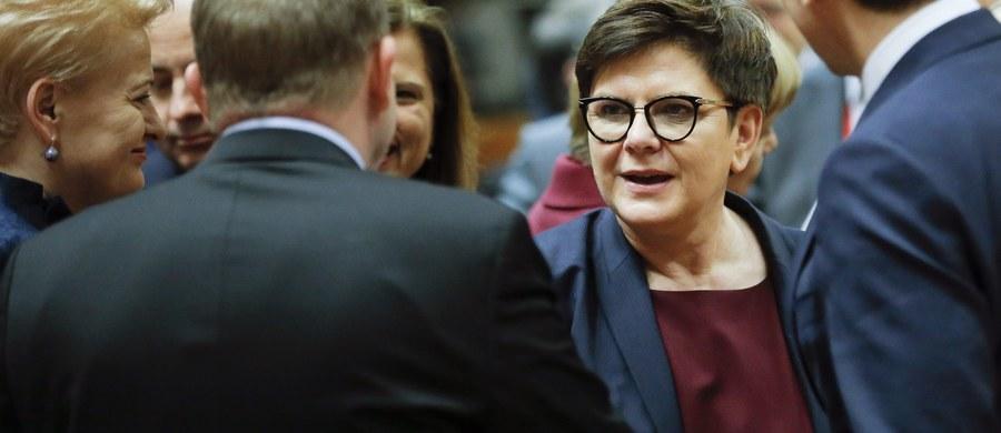Polska nie zgadza się na razie na deklarację wyjaśniającą, czym jest układ stowarzyszeniowy z Ukrainą. Holandia chce, by w deklaracji przywódcy podkreślili, że ratyfikacja umowy nie przyznaje Ukrainie statusu kandydata do członkostwa w Unii ani nie jest zobowiązaniem do nadania takiego statusu w przyszłości.
