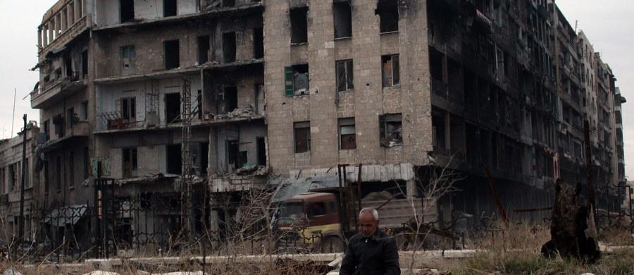 Osiągnięto nowe porozumienie ws. ewakuacji obszarów zajmowanych przez rebeliantów we wschodniej części Aleppo w Syrii - podała w sobotę telewizja Al-Arabija powołując się na rebeliantów. Uzgodniono też wywiezienie rannych z dwóch miejscowości szyickich.