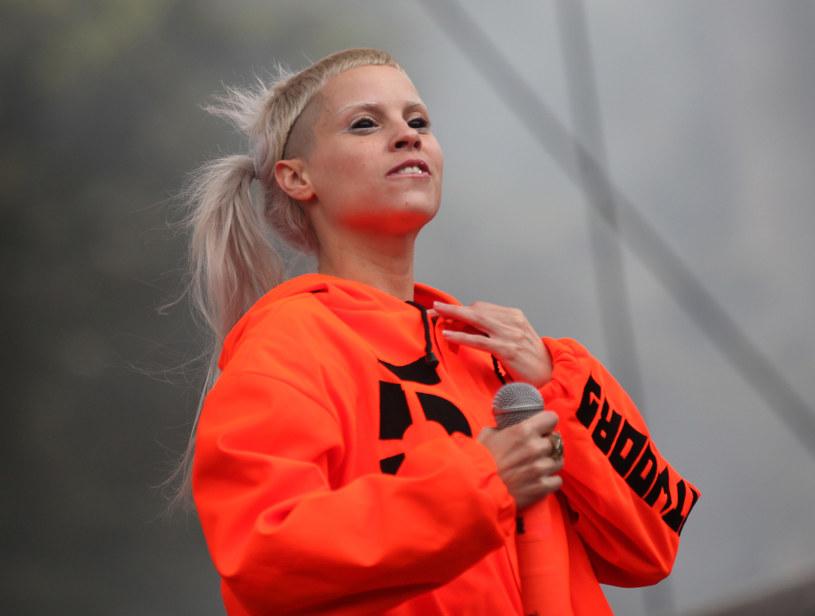 """Pochodzący z RPA zespół Die Antwoord opublikował teledysk """"Fat Faded Fuck Face"""" do kolejnego utworu promującego album """"Mount Ninji and da Nice Time Kid""""."""