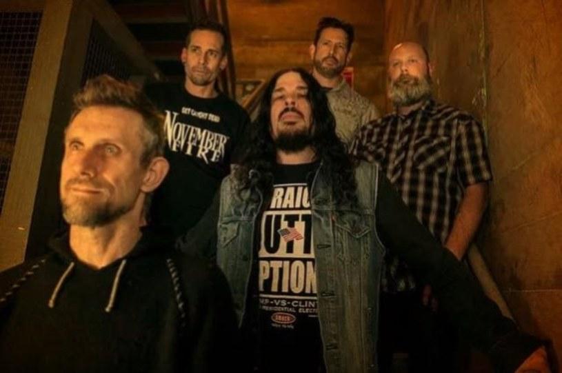 Dress The Dead - to nazwa nowej grupy z udziałem byłych muzyków The Haunted i Forbidden.
