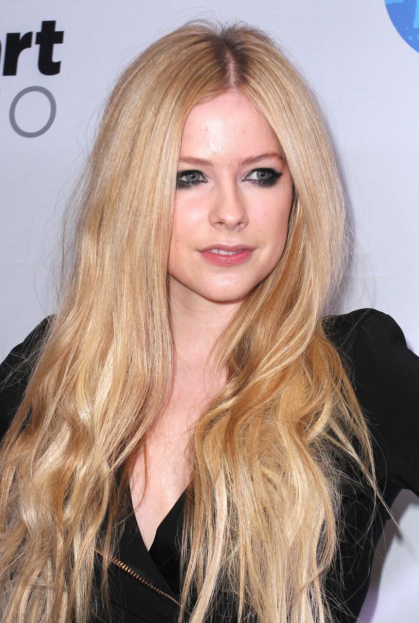 Avril Lavigne, która uporała się z poważną chorobą, zapowiada wydanie nowego albumu w 2017 roku