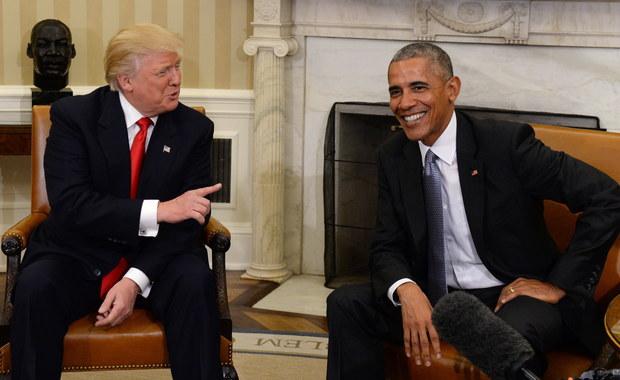 """Donald Trump oskarżył Baracka Obamę o rzucanie """"prowokacyjnych"""" przeszkód w okresie przekazywania władzy prezydenckiej. Napisał także, że ustępująca administracja USA traktowała Izrael """"z totalną pogardą""""."""