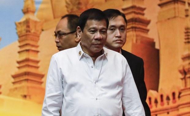 Kontrowersyjny filipiński prezydent Rodrigo Duterte przyznał, że w przeszłości zrzucał porywaczy z helikoptera, kiedy był burmistrzem Davao. Dodał, że taka sama kara czeka wszystkich skorumpowanych urzędników.