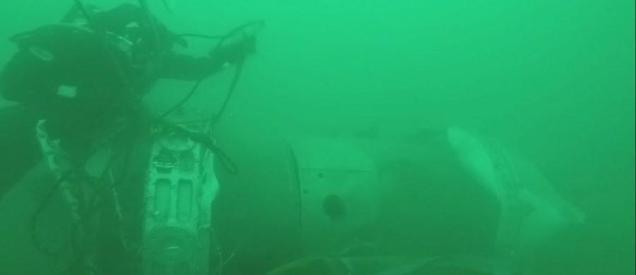 Na szczątkach samolotu Tu-154, który w niedzielę spadł do Morza Czarnego, nie stwierdzono śladów wybuchu lub pożaru - poinformowało w czwartek rosyjskie ministerstwo obrony. Maszyna z 92 osobami na pokładzie leciała do Syrii; nikt nie przeżył katastrofy.