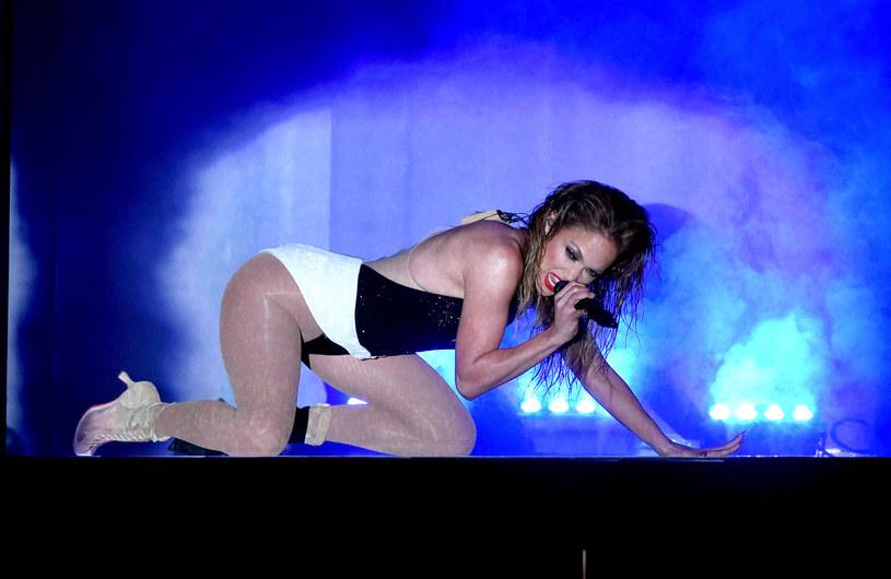 W sieci pojawiło się nagranie, na którym widać, jak Drake i Jennifer Lopez całują się oraz czule obejmują w trakcie tańca.