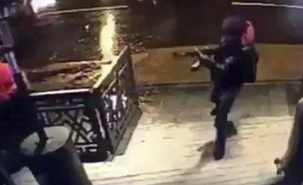 Spośród zidentyfikowanych dotąd 36 ofiar zamachu na klub nocny w Stambule 11 było narodowości tureckiej, zaś 25 to cudzoziemcy - podaje agencja Anadolu. Nadal nie wiadomo, ani kto dokonał zamachu, ani z czyjej inspiracji. Trwa pościg policji. W sumie zginęło 39 osób.