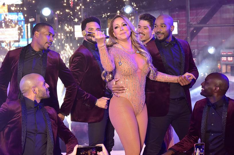 """Rok 2017 fatalnie zaczął się dla Mariah Carey. """"Katastrofa"""" - to najłagodniejsze z określeń przewijających się w mediach, opisujące kompletnie nieudany występ gwiazdy podczas sylwestrowej imprezy w Nowym Jorku."""