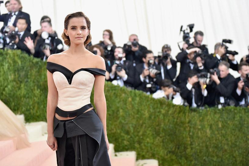 """W sieci pojawił się fragment utworu """"Something There"""" z filmu """"Piękna i bestia"""", który wykonuje Emma Watson."""