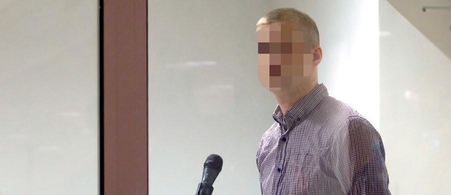 Przed Sądem Okręgowym w Poznaniu odbył się pierwszy dzień procesu Adama Z. oskarżonego o zabójstwo Ewy Tylman. Mężczyzna nie przyznawał się do zarzucanego mu czynu. Za zabójstwo grozi mu kara do 25 lat więzienia lub dożywocie. Adam Z. odmówił składania wyjaśnień. Odpowiadał jedynie na pytania obrońcy. Twierdził, że podczas przesłuchań był bardzo źle traktowany. Przebieg procesu relacjonowaliśmy w relacji minuta po minucie.