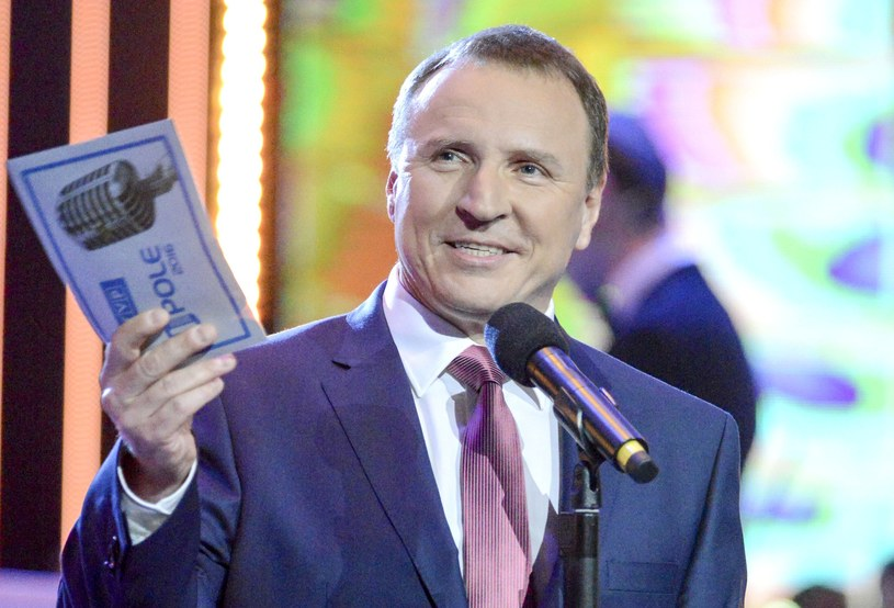 Sławomir Świerzyński, lider zespołu Bayer Full, poinformował, że koresponduje z prezesem Telewizji Polskiej Jackiem Kurskim na temat tego, żeby podczas festiwalu w Opolu był osobny dzień z muzyką disco polo.