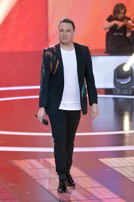 Znany z różnych programów telewizyjnych wokalista Mariusz Wawrzyńczyk ujawnił, że po raz kolejny zgłosił swoją piosenkę do krajowych preselekcji do Konkursu Piosenki Eurowizji.