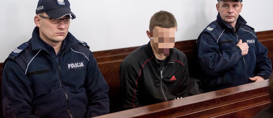 25 lat więzienia - na taki wyrok skazał Sąd Apelacyjny we Wrocławiu Artura W., oskarżonego o zabójstwo 15-letniej Wiktorii z Krapkowic (Opolskie). Sąd zaostrzył karę sądu pierwszej instancji, którzy skazał W. na 14 lat więzienia.