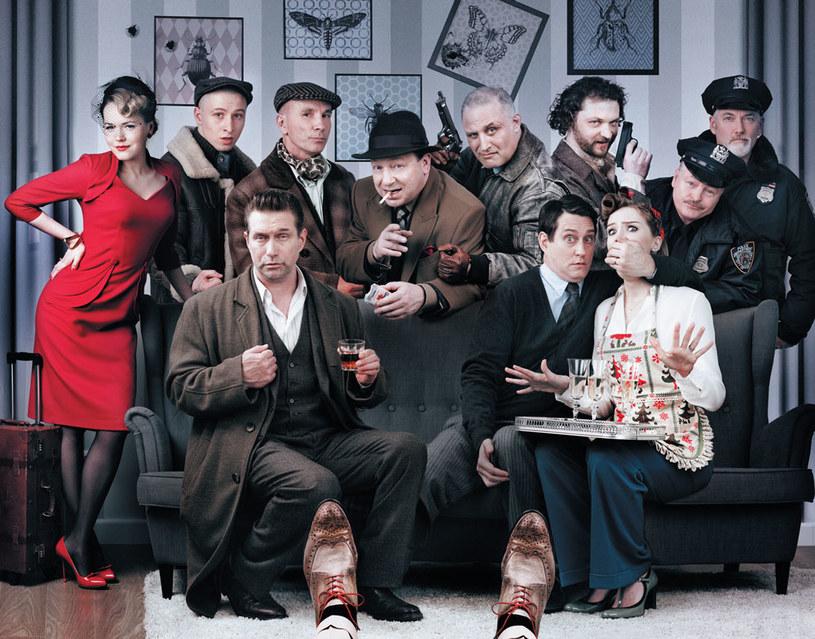 """W czarnej komedii """"Bez paniki, z odrobiną histerii"""" Magdalena Lamparska zagrała m.in. obok Stephena Baldwina i Tomasza Karolaka. Telewizyjna premiera filmu Tomasza Szafrańskiego odbędzie się w najbliższą niedzielę w HBO."""