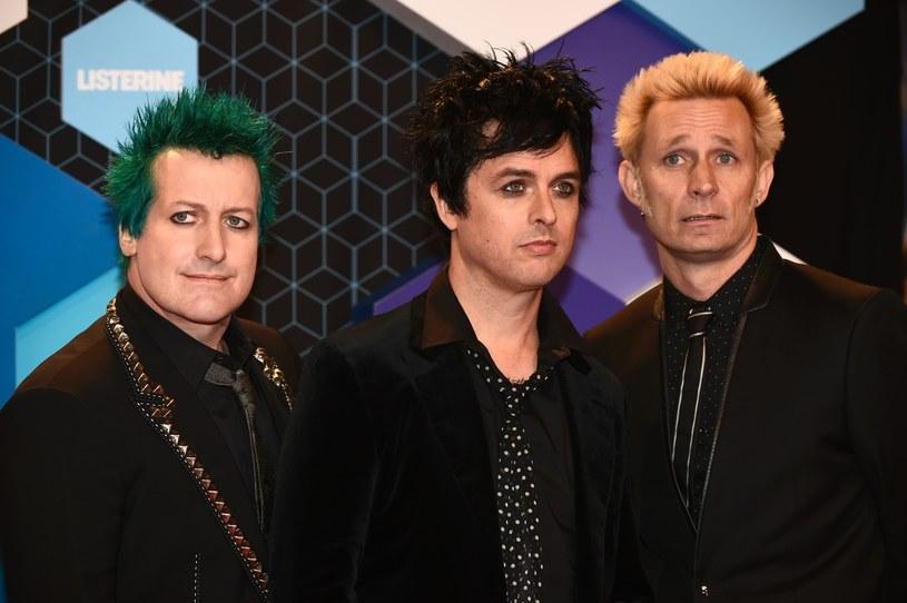 """Poniżej możecie zobaczyć najnowsze wideo opublikowane przez grupę Green Day - """"Troubled Times"""". A już w sobotę (21 stycznia) Amerykanie zagrają w Tauron Arenie Kraków."""