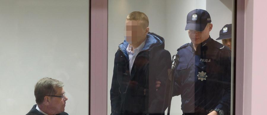 W poznańskim Sądzie Okręgowym w czasie drugiego dnia procesu o zabójstwo Ewy Tylman zeznawali policjanci, którzy mieli usłyszeć przyznanie się Adama Z. do winy. To na podstawie ich słów prokuratura sformułowała swój akt oskarżenia, w którym zakłada, że kolega z pracy zabił poszukiwaną później przez osiem miesięcy poznaniankę.