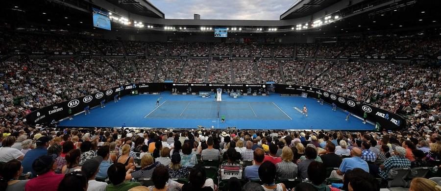 Troje polskich tenisistów zagra w środę mecze pierwszej rundy debla w wielkoszlemowym Australian Open. Magdzie Linette partnerować będzie Francuzka Alize Cornet, a w tegorocznej edycji turnieju w Melbourne siły połączyli Jerzy Janowicz i Marcin Matkowski.