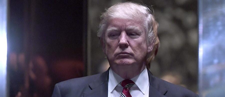 Badania opinii publicznej wykazują, że Donald Trump obejmie urząd jako najbardziej niepopularny spośród ostatnich siedmiu prezydentów USA. Pozytywną ocenę wystawiło mu tylko 40 proc. Amerykanów.