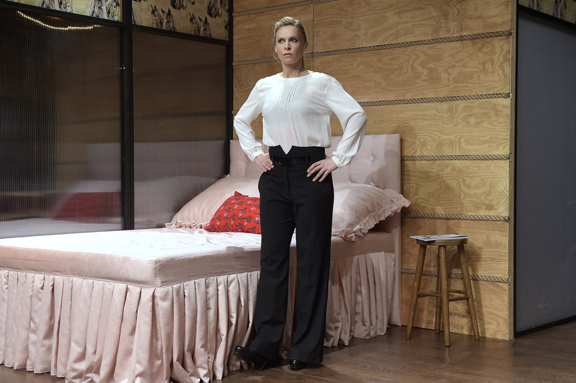 """Od 20 stycznia Paulinę Holtz będziemy mogli oglądać w komedii """"SPA, czyli Salon Ponętnych Alternatyw"""" w Teatrze Kamienica. Aktorka szlifuje teraz nie tylko swoją rolę, ale również formę sportową. Chce nauczyć się podciągania na drążku."""
