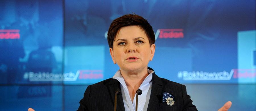 Premier Beata Szydło spotka się dziś w ramach przeglądu resortów z ministrem zdrowia Konstantym Radziwiłłem oraz minister rodziny, pracy i polityki społecznej Elżbietą Rafalską. Celem zaplanowanego na dwa tygodnie przeglądu jest wyznaczenie nowych kierunków działań rządu.