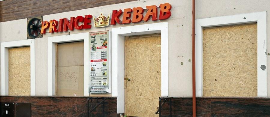 Jeden z dwóch cudzoziemców podejrzanych o zabójstwo w noc sylwestrową 21-letniego mieszkańca Ełku (Warmińsko-Mazurskie) otrzymał decyzję odmowną na wniosek o prawo stałego pobytu w Polsce - potwierdziła prowadząca to śledztwo prokuratura suwalska.
