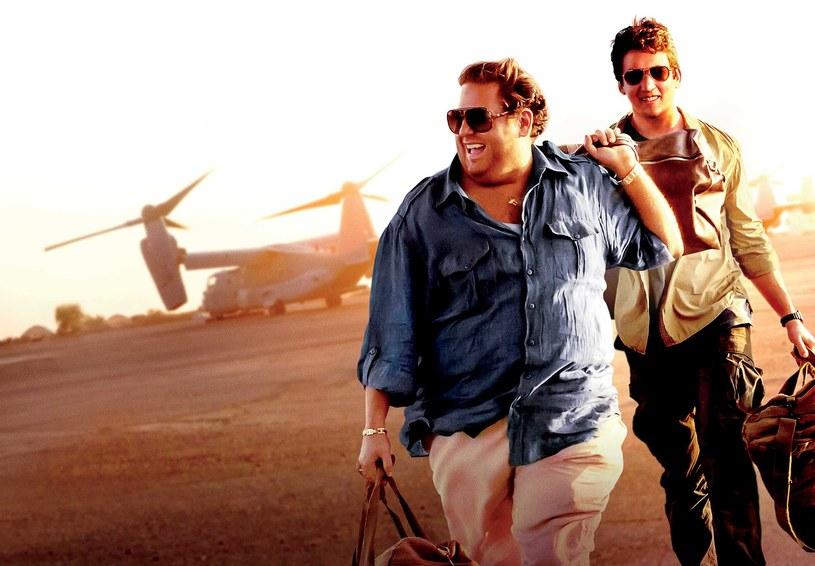 """""""Rekiny wojny"""" - komediodramat opowiadający niewiarygodną acz prawdziwą historię dwóch młodych handlarzy bronią - zadebiutuje na 4K Ultra HD Blu-ray, Blu-ray i DVD już 25 stycznia."""