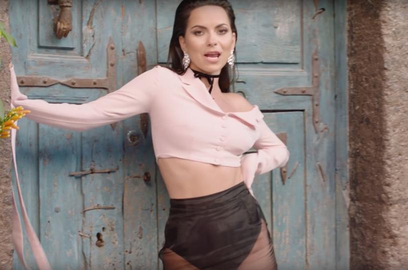 """Poniżej możecie zobaczyć najnowszy teledysk rumuńskiej wokalistki o pseudonimie Inna - """"Gimme Gimme""""."""