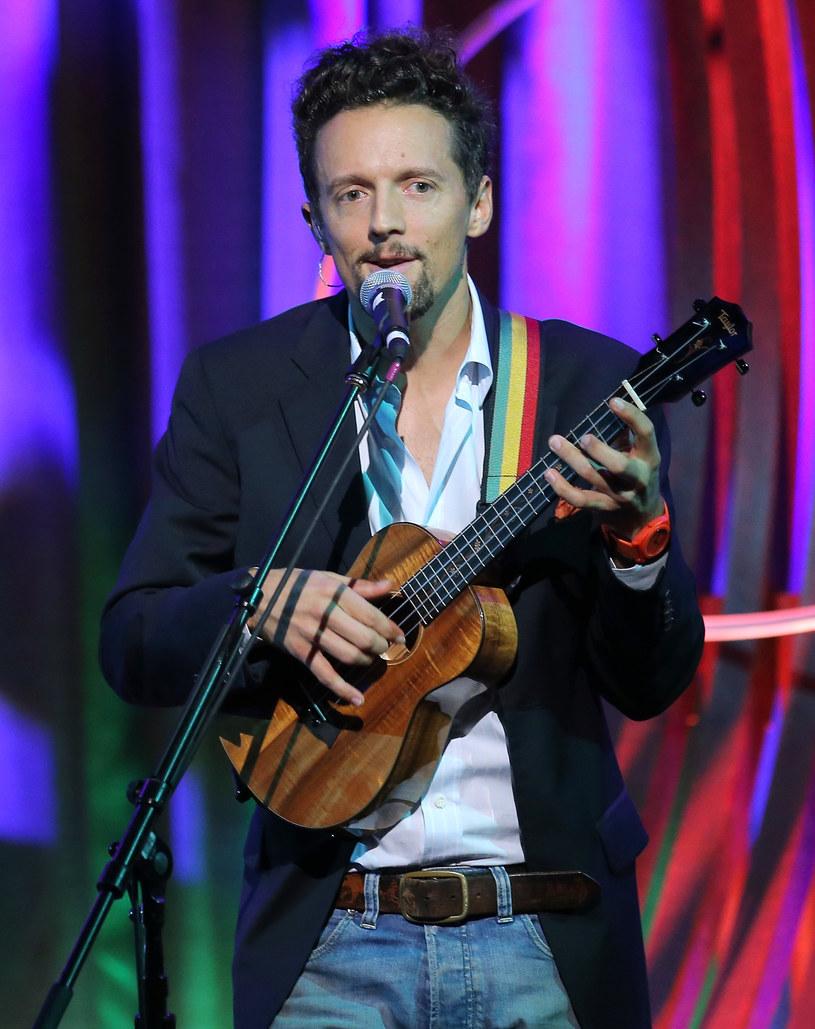 Po ostatnim, wyprzedanym występie Jason Mraz wraca do Polski. 13 marca zagra specjalny akustyczny koncert w Teatrze Polskim w Warszawie.