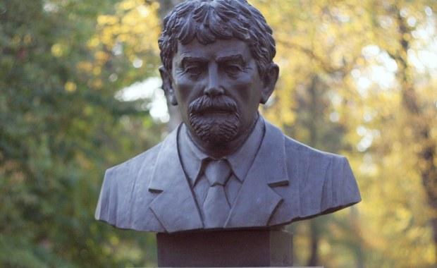 Rada Miasta Krakowa przeznaczyła w tegorocznym budżecie 600 tysięcy złotych na budowę pomnika generała Ryszarda Kuklińskiego na placu Jana Nowaka-Jeziorańskiego (dawniej Dworcowym).