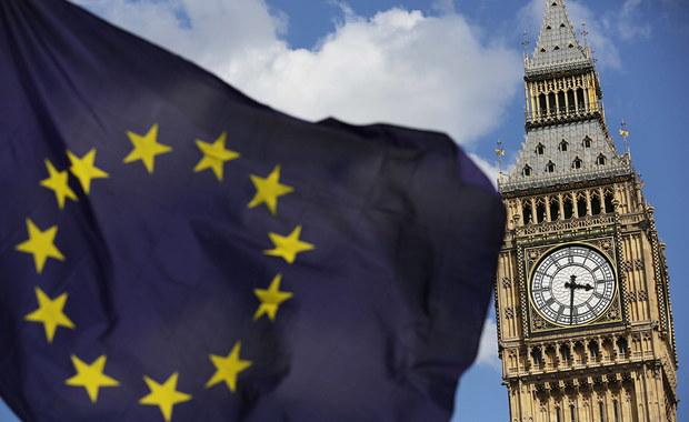 """Ponad połowa (51 proc.) Brytyjczyków zagłosowałoby dziś za pozostaniem Wielkiej Brytanii w Unii Europejskiej. To wynik sondażu przeprowadzonego przez firmę Google na zlecenie dziennika """"The Daily Mirror""""."""