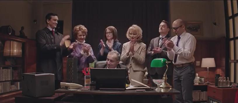 """Zapowiedź nowych odcinków serialu Roberta Górskiego """"Ucha Prezesa"""" pojawiła się w środę, 15 lutego. Cały piąty odcinek będzie można obejrzeć na YouTube jednak dopiero w poniedziałek, 20 lutego. Co się stało?"""