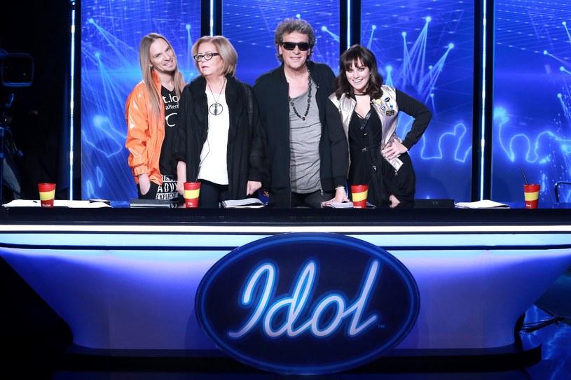 """Prawie 2,1 mln widzów przyciągnął pierwszy odcinek nowej edycji """"Idola"""". Polsat pochwalił się, że w grupie komercyjnej został liderem podczas emisji programu."""