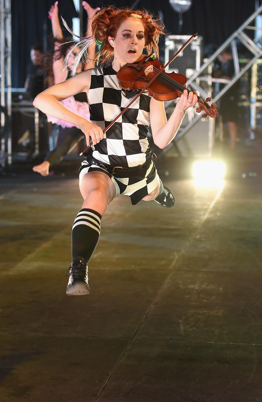 Amerykańska skrzypaczka, tancerka i kompozytorka Lindsey Stirling w przyszły piątek 24 lutego wystąpi w Tauron Arenie Kraków, a dzień później w poznańskiej Hali MTP.
