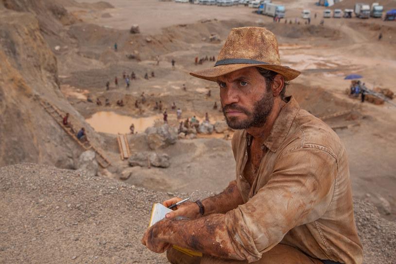 """W sercu egzotycznej dżungli, w tropikalnym upale i pod okiem specjalisty od węży, który oczyszczał teren z niepożądanych gości, Matthew McConaughey i Edgar Ramirez szukali złota. Producenci filmu """"Gold"""" zadali sobie wiele trudu, aby znaleźć odpowiednie plenery do zdjęć. Ostatecznie plan został zlokalizowany  w dziewiczych terenach Tajlandii."""