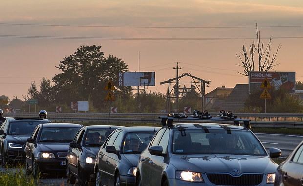 Kilkadziesiąt osób rozpoczęło o godz. 6 rano blokadę drogi krajowej numer 79 w kierunku Warszawy na Mazowszu. Trasa była zablokowana w Magnuszewie i Mniszewie do godz. 10.