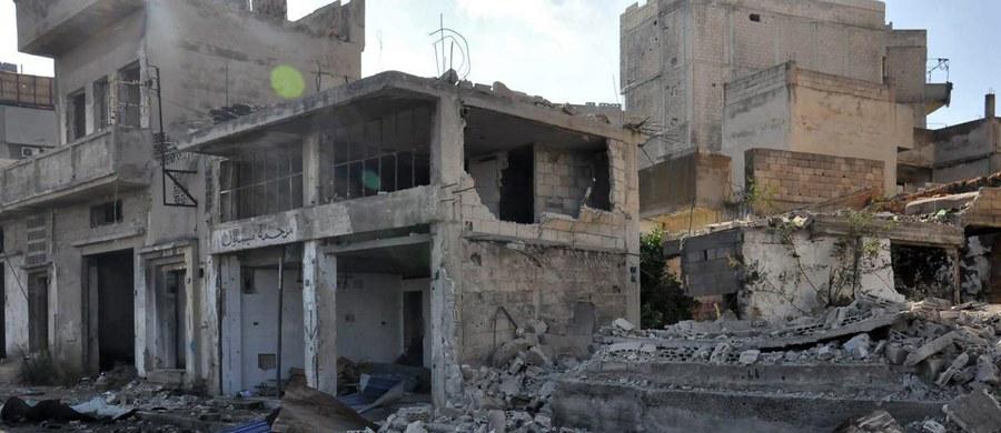 Konwój humanitarny jadący do kontrolowanej przez rebeliantów dzielnicy syryjskiego Homs nie dojechał na miejsce, bo został ostrzelany przez snajperów. Miała to być pierwsza pomoc z zewnątrz dla dystryktu od 5 miesięcy.