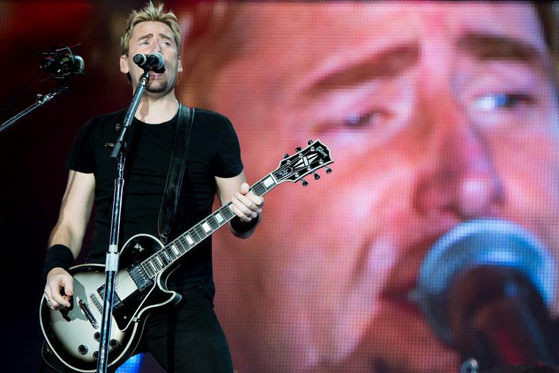 """Departament Obrony Stanów Zjednoczonych wydał oficjalny zakaz słuchania """"fatalnego rocka"""" w placówkach urzędowych i stanowiskach dowodzenia. Wśród zakazanych zespołów znalazł się m.in. Nickelback."""