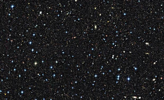 Naukowcy stworzyli mapę  fragmentu Wszechświata z przeszłości i zmierzyli odległości do prawie 100 tysięcy galaktyk. Międzynarodowy zespół astronomów VIPERS - VIMOS Public Extragalactic Redshift Survey, w którego skład wchodzą także krakowscy naukowcy z obserwatorium Uniwersytetu Jagiellońskiego, stworzył trójwymiarową mapę Wszechświata.