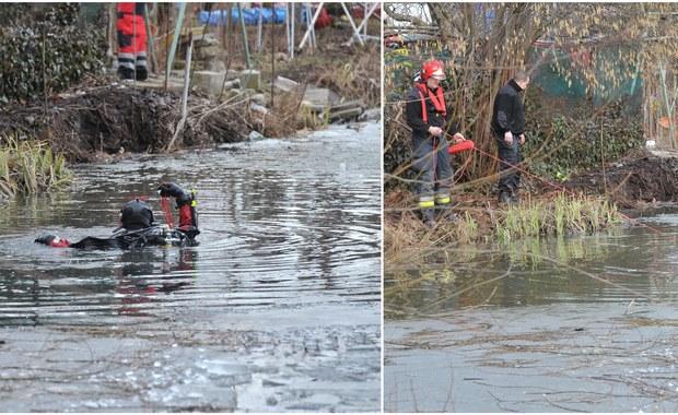 Nie udało się uratować dwóch chłopców - 7- i 11-latka, pod którymi załamał się lód na zbiornikiem wodnym Regaliczka w Szczecinie. Strażacy wyciągnęli ich nieprzytomnych na brzeg, obaj trafili do szpitali. Reporter RMF FM Kuba Kaługa ustalił nieoficjalnie, że chłopcy to bracia. Najpewniej byli pod opieką babci.