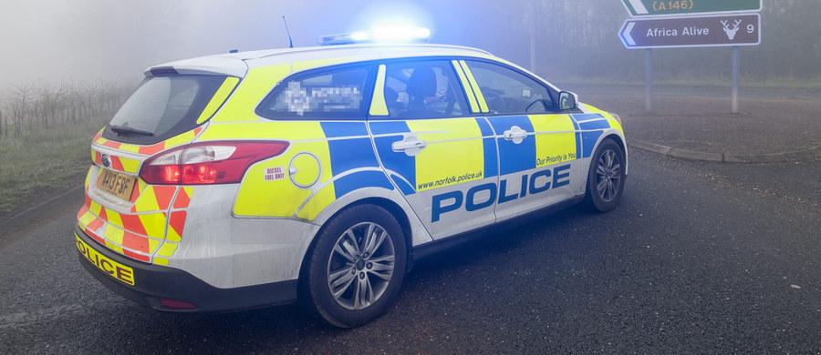 """Polski kierowca ciężarówki został zamordowany na południu Irlandii - doniósł """"Irish Examiner"""". Irlandzka policja poinformowała natomiast, że prowadzi śledztwo ws. śmierci 40-letniego kierowcy ciężarówki, który we wtorek wieczorem został znaleziony martwy na parkingu w Fermoy koło miasta Cork."""