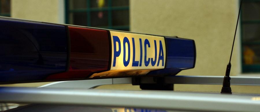 Dramat w Zamościu. 60-letni mężczyzna podpalił się przed siedzibą starostwa powiatowego. Z rozległymi poparzeniami odwieziono go do szpitala.