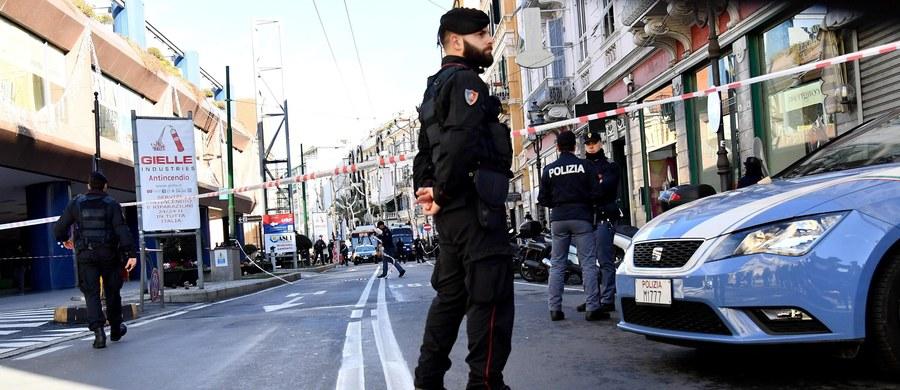 Istnieje coraz wyraźniejsze ryzyko zamachów terrorystycznych we Włoszech, jakich mogą dokonać osobnicy, którzy ulegli radykalizacji i postanawiają nie jechać na front Państwa Islamskiego - poinformowano w raporcie służb specjalnych dla włoskiego parlamentu.