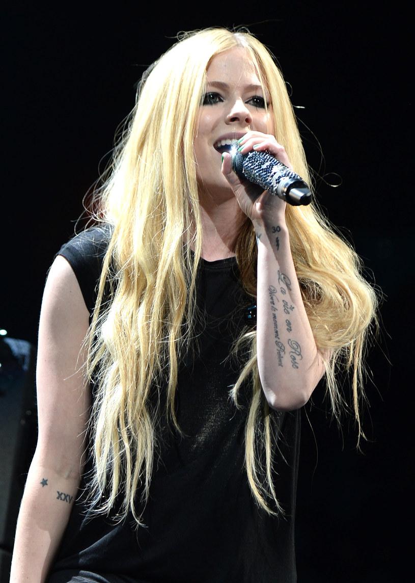 Jeszcze w tym roku ma ukazać się nowy album Avril Lavigne, która wraca do muzyki po wygranej walce z poważną chorobą.