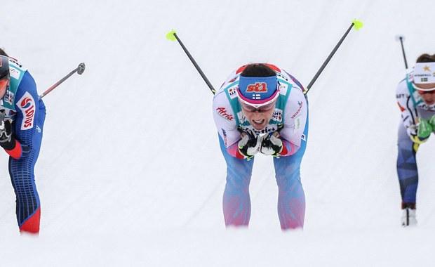 Justyna Kowalczyk, Ewelina Marcisz, Kornelia Kubińska i Martyna Galewicz wywalczyły ósme miejsce w biegu sztafetowym 4x5 km na MŚ w Lahti! Ta lokata gwarantuje im start w przyszłorocznych igrzyskach olimpijskich w Pjongczang i - co dla nich równie ważne - sportowe stypendia. Wygrały Norweżki, a Marit Bjoergen sięgnęła po 17. złoty medal mistrzostw świata w karierze. Srebro zdobyły Szwedki, a brąz Finki. Biało-czerwone straciły do zwyciężczyń 3.22,0.