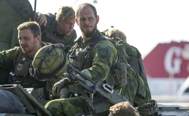 Rząd szwedzki ogłosił, że przywróci zniesioną przed siedmiu laty obowiązkową służbę wojskową. Jako motywy tej decyzji wymienił braki osobowe w siłach zbrojnych oraz pogorszenie się warunków bezpieczeństwa w regionie.