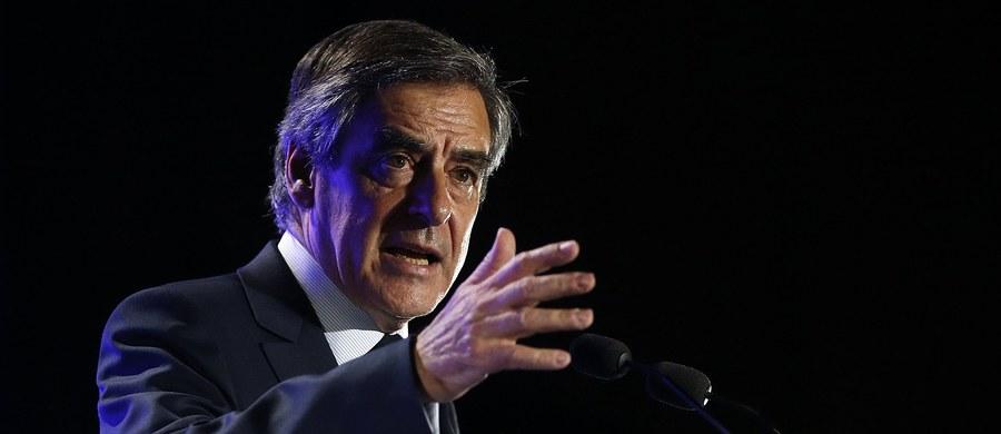Mieszkanie kandydata prawicy na prezydenta Francji Francois Fillona zostało przeszukane w ramach śledztwa dotyczącego fikcyjnego zatrudnienia żony i dwójki dzieci - podały media.
