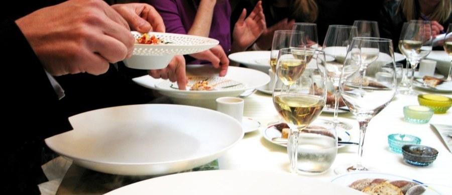 Hiszpańska Gwardia Cywilna szuka ponad stu osób, które w poniedziałek uciekły bez płacenia z restauracji na północy kraju. Klienci nie byli Hiszpanami. Właściciel twierdzi, że stracił 2 tysiące euro.